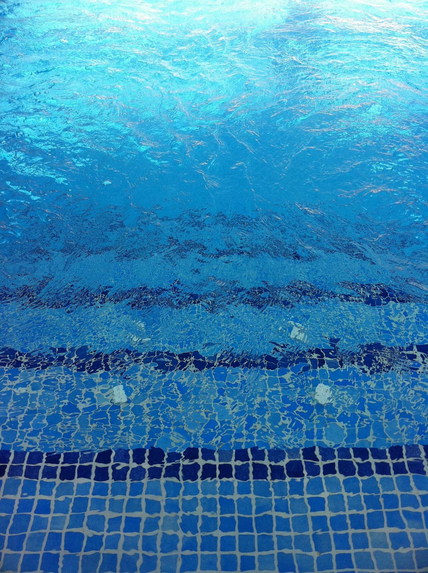 Les avantages du carrelage de piscine d co du sol for Carrelage de piscine